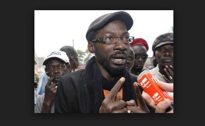 """Fadel Barro: """" On a voulu nous présenter les Senghor [...] mais en réalité c'est la partie que l'Afrique devrait enterrer. """""""