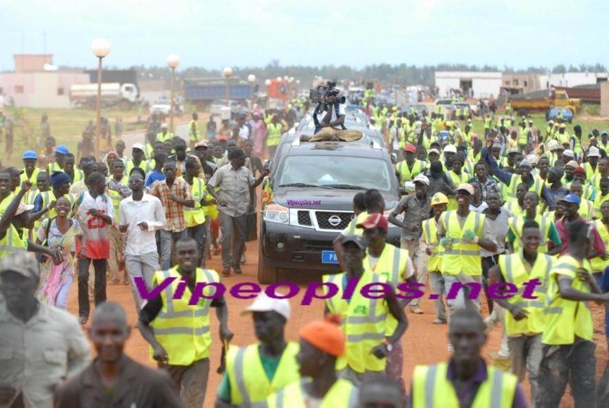 BOURDE: Macky Sall a-t-il lui même compris le civisme qu'il veut redorer ?