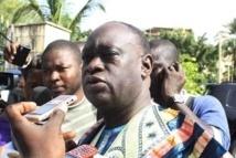Son oncle traîné à la barre pour escroquerie, Me El Hadji Diouf inonde la salle d'audience de larmes