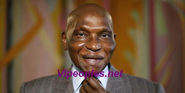 Remaniement Ministeriel: L'ex président Abdoulaye Wade en rigole