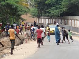 Un 4X4 Cayenne renverse un talibé à Ngor