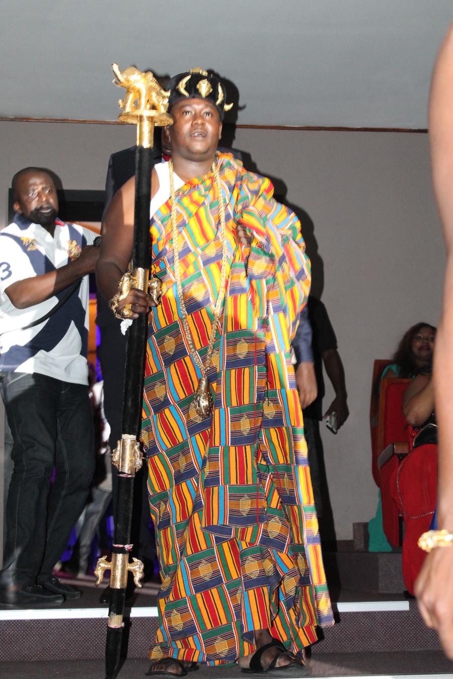 Avec son habillement purement africain, Bakayoko fait un clin d'œil à son pays, la Côte d'Ivoire