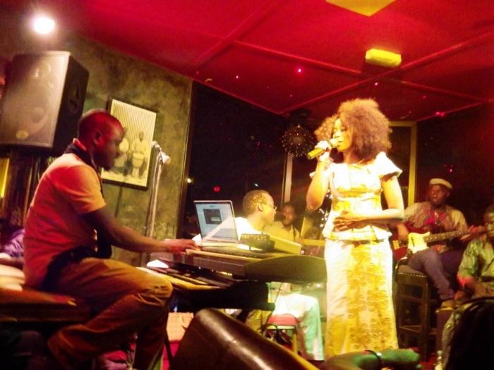 (5) Photos: Soirée spéciale Ndéweneul de Adiouza à la villa Krystal