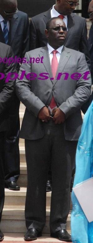 Quand des facebookers créent la désinformation en insinuant que Macky Sall ferme sa braguette