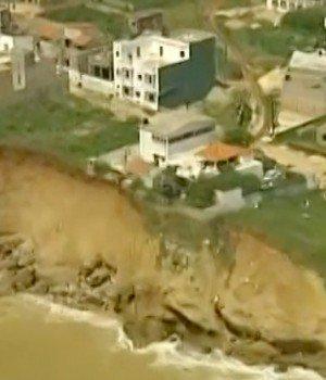 Vidéo: Des villas et mosquée englouti, regardez comment la mer grignote la ville de Saint-Louis (reportage)