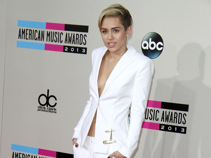 Miley Cyrus cambriolée : la bague de fiançailles de Liam Hemsworth volée ?