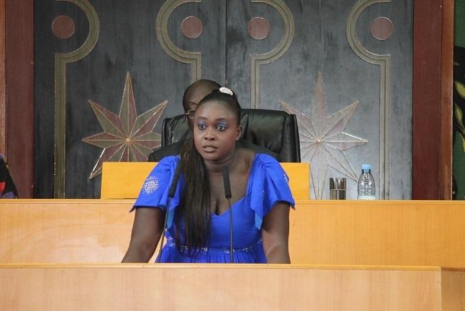 """Grave accusation à l' Assemblée nationale, Fatou Thiam : """" Le Président Macky Sall est le premier des voleurs"""""""