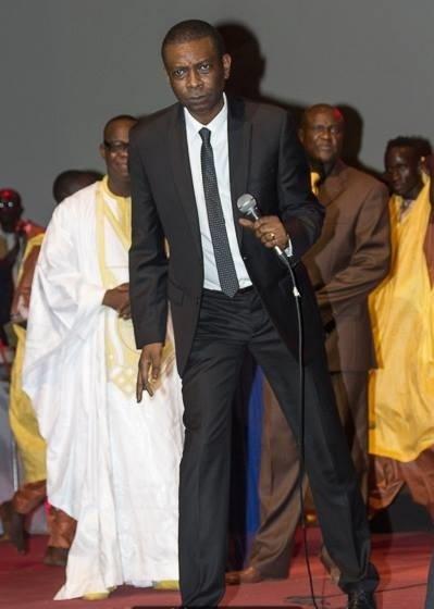 Qu´arrive t-il á Youssou Ndour quand il ne porte pas ses lunettes?