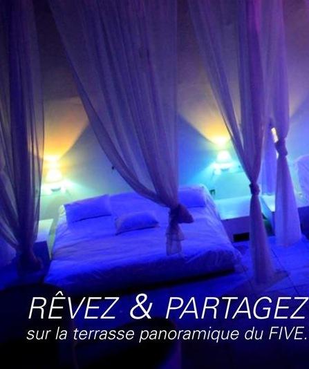 REVELATION: Que servent les lits exposés à la terrasse VIP de la boite de nuit Le Five ?