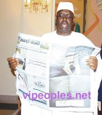 IMAGE POLITIQUE - Quand Macky Sall lit le journal arabe