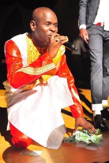 REVELATIONS - Pour un salaire de 2 millions de Fca et un 4X4, Pape Cheikh Diallo dit oui à Youssou Ndour