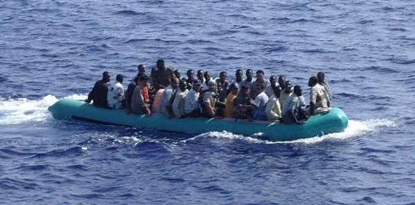 ALERTE - les gardes côtes espagnoles et militaires marocains auraient tiré sur les émigrants