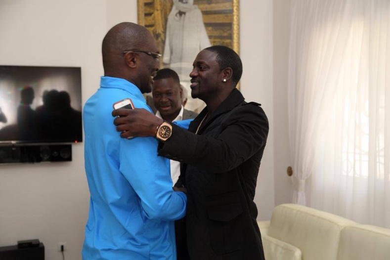 PHOTOS - Babacar Ngom, le fondateur et président du groupe SEDIMA en toute intimité avec sa famille
