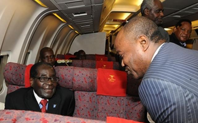 Robert Mugabe a fêté ses 90 ans vendredi et s'offre les services de Koffi Olomide pour le mariage de sa fille Bona