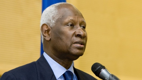 """Abdou Diouf: """"Jacques Chirac me demandait souvent à propos de ma taille si on m'arrosait tous les jours"""""""