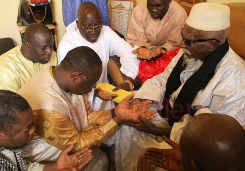 """Lutte contre Ebola: Le Khalife Général des Mourides appelé en """"renfort"""" par Macky Sall"""