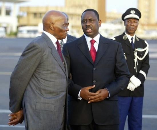 Liaisons, sexe et rumeurs au sommet : Macky Sall et Abdoulaye Wade vont-ils connaitre un coup Closer ?
