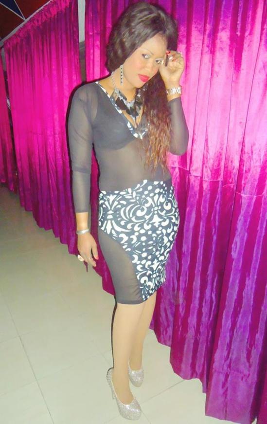 La chanteuse Guigui  aime montrer son corps