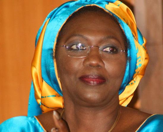 Aminata Tall à Macky Sall : «Nous ne devons pas accueillir les ordures, ceux qui ont été vaincus et vomis par les populations»