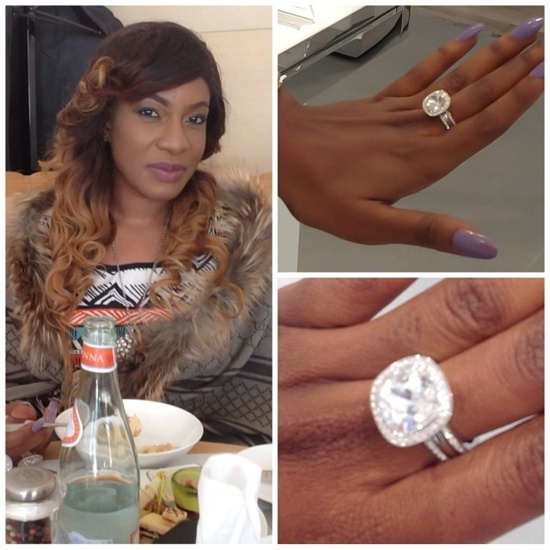 Zoom Photo: L'actrice Nigerianne Chika Ike exhibe sa bague en diamant