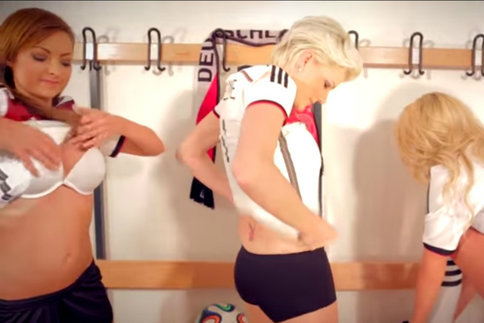 Allemagne: Une ex-actrice porno pour chanter l'hymne