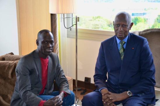 Abdou Diouf reçoit le journaliste Gorgui Wade Ndoye à Genève