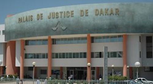 Le Directeur de l'institut des droits de l'homme bat sa femme et se retrouve au tribunal
