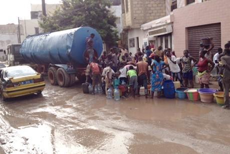 Penurie d'eaux : Dakar encore assoiffé (reportage)