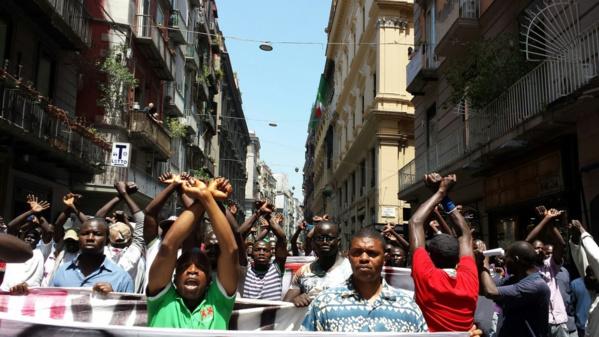 Italie : Sit-in des « modou modou » après l'agression sur un Sénégalais par les policiers de Naples