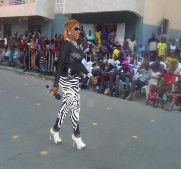 Guigui so sexy sur le plateau d'Africa 7