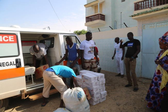 Marième Faye Sall offre une ambulance à la communauté rurale de Doumga Lao