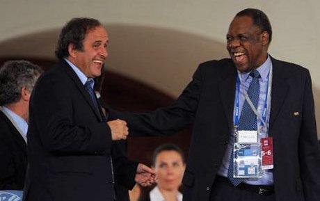 CAN 2015 : Hayatou et Platini font la paix