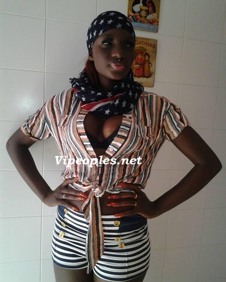 Le mannequin Khady Thiam en mode sexy!