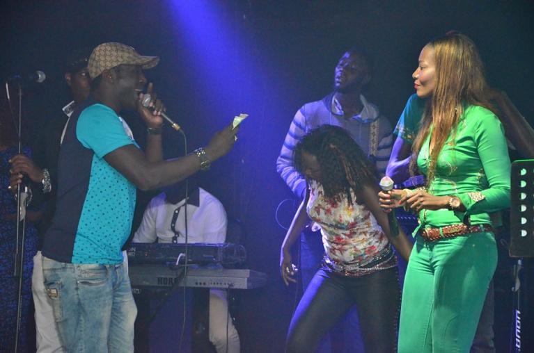 Les soirées de Coumba Gawlo au Barramundi : le rendez-vous des stars ; Ives Niang et Fat Laobé étaient de la partie