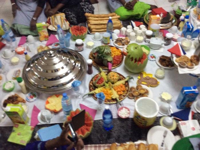Arrêts sur images: le petit déjeuner chez les thiantacounes !!!