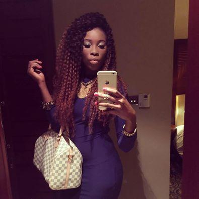Nabou Dash la Nabila Sénégalaise en mode selfie.