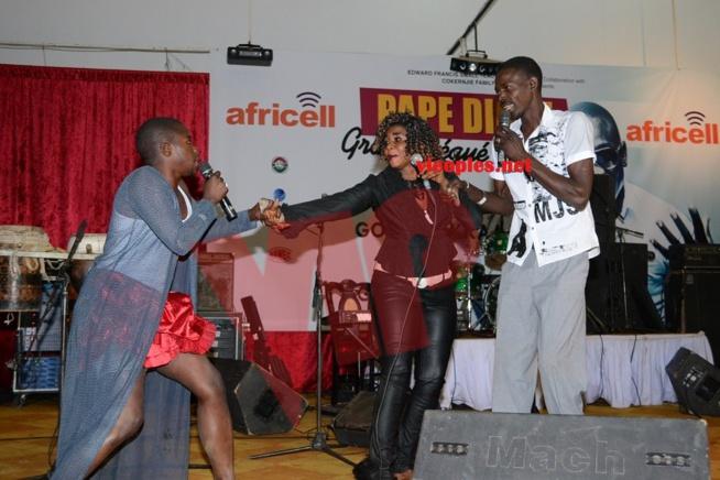 Des comédiens  Gambiens en mode délire
