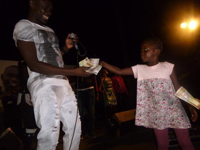 Dernière journée en Gambie: Pape Diouf impose sa loi et sa force au stadium de Bakao. Revivez les images.