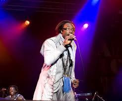 Présentation de ses deux albums internationaux, Sidy Samb met le feu au Sentier des Halles de Paris.