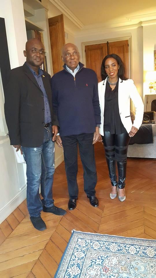 3 Photos- Le président Wade recevant à Versailles Abdoulaye Mamadou Guissé, président du parti Mcss Fulla Ak Fayda