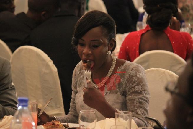INSOLITES: Soirée de gala des jeunes reporters, quand les fourchettes remplace les plumes. No coment.