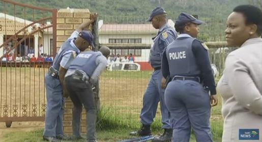 La police délivre 18 enfants détenus dans une église