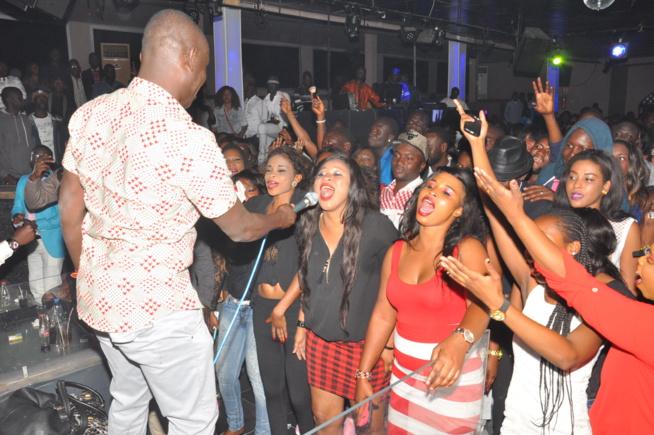 """Après le grand succès de la nuit des """"laobés"""" au grand théâtre, le Pape de la musique Sénégalaise explose le Bloowy.Regardez"""