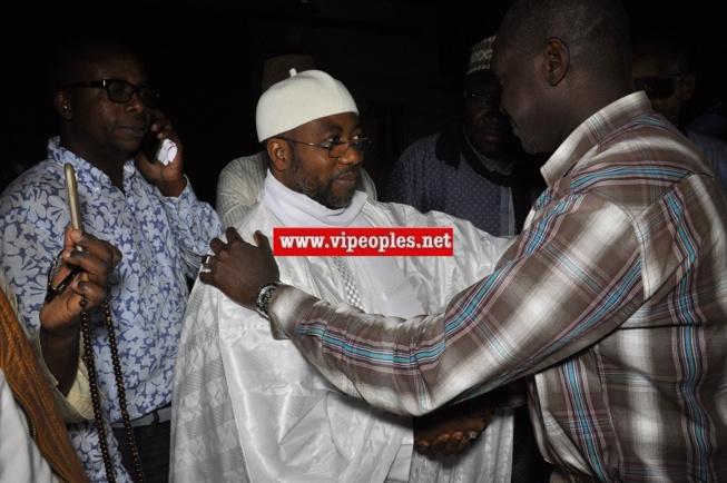 Les premières images +vidéo de Sheikh Alassane Séne à sa sortie de la prison de Cap Manuel.