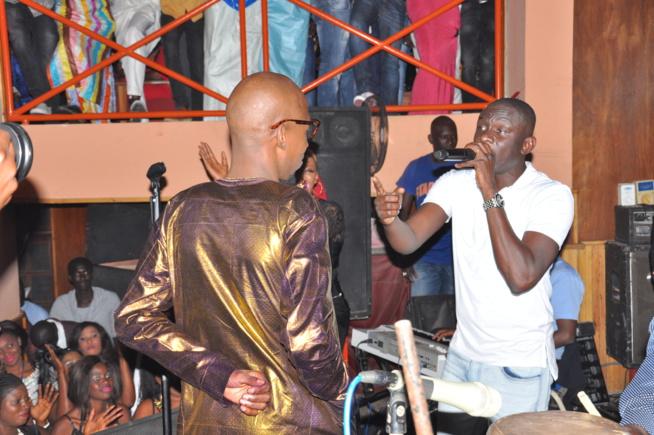 Soirée Fans Club: Pape Diouf pimente et explose la scéne du Ravin.