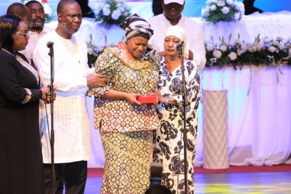 Côte d'Ivoire-Congo : Avant le rapatriement de son corps, Papa Wemba fait Commandeur de l'ordre national à titre posthume