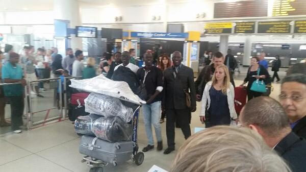 New Arrivé de Pape Diouf la génération consciente et Bay Babu à JFK aéroport de New York pour l'américain tour de New African Production.