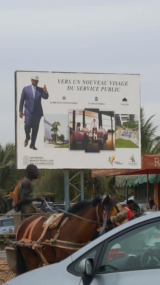 """Propagande avec son image à Dakar : Macky Sall se fâche et recadre ses DG et ministres """"troubadours"""""""