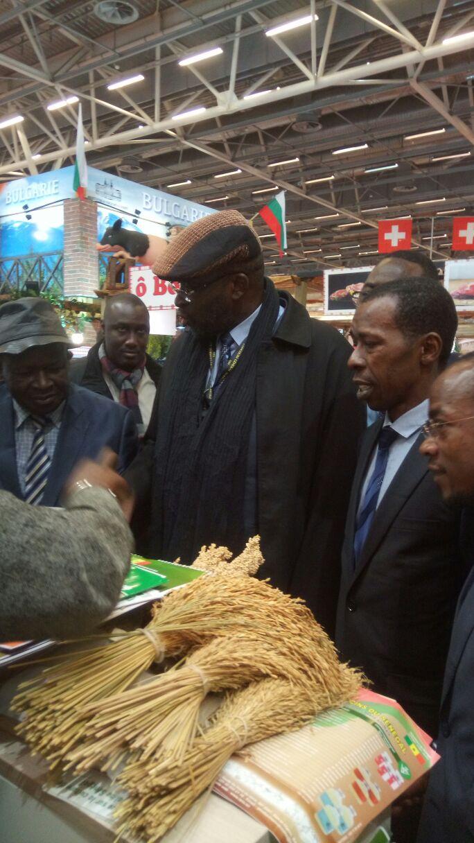 Le patron du groupe holding amar bien repr sent au salon de l 39 agriculture paris - Salon agriculture adresse ...