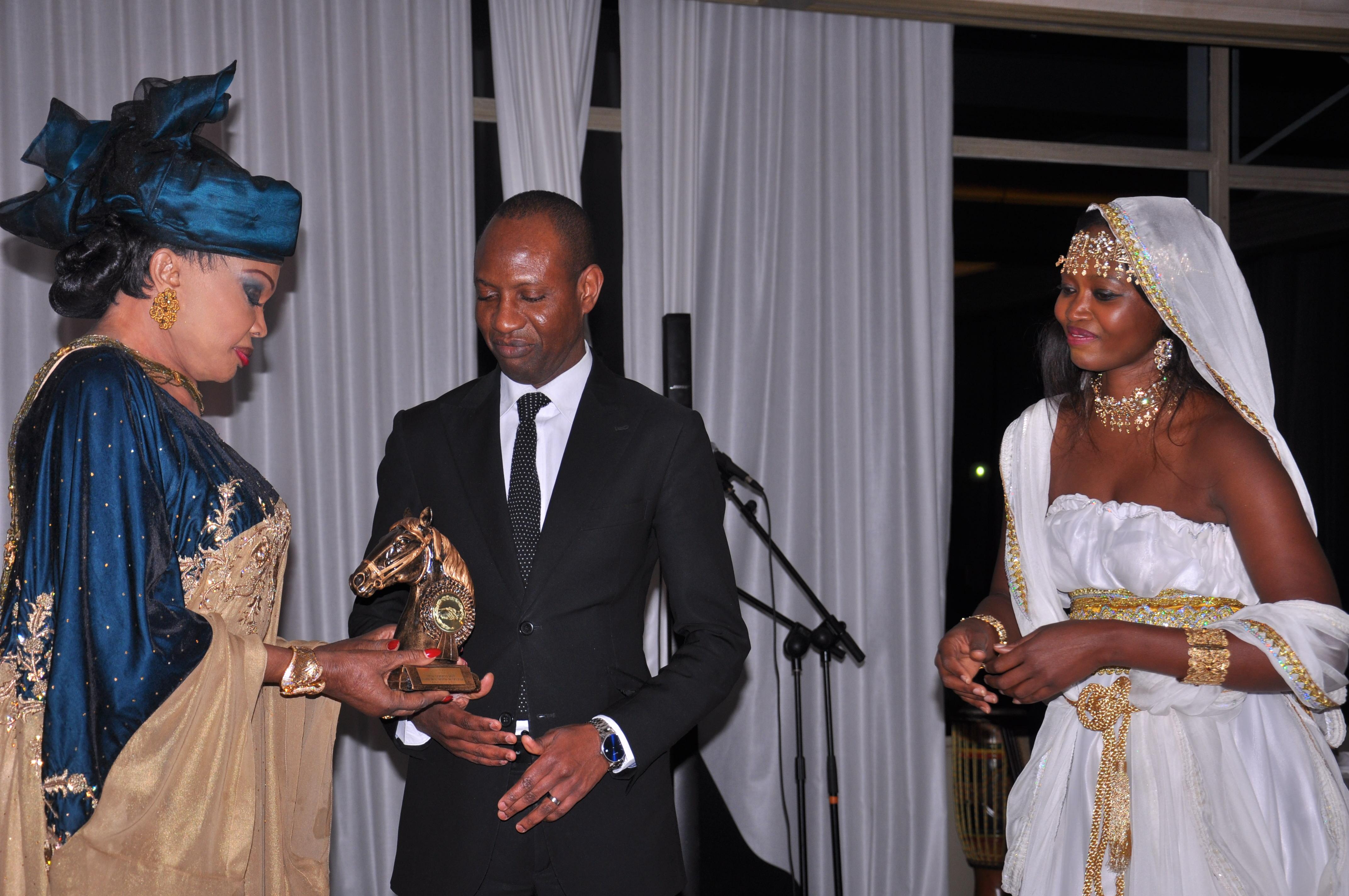 """GALA CHIC ET GLAMOUR: Les nominés du trophée """"MALAAW"""" au Pavillon le Doyen"""